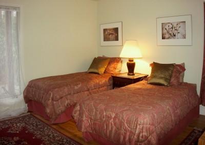 667-Cardinal-bedroom-3