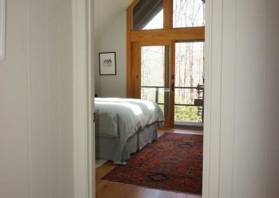 667 Cardinal hallway view