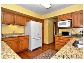 311Frazier-Kitchen2