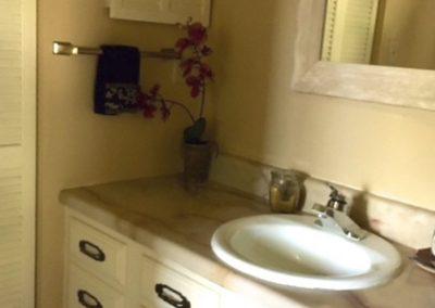 25GFbathroom