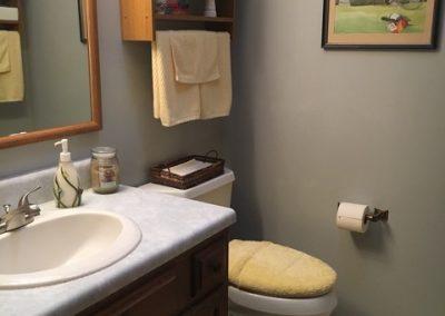 179Cardinal-Bathroom