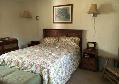 66oldpoplar_bedroom